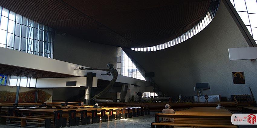 مبلمان کلیسای رونشان لوکوربوزیه
