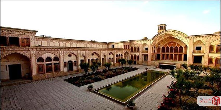 حیاط تاریخچه خانه عامریها کاشان