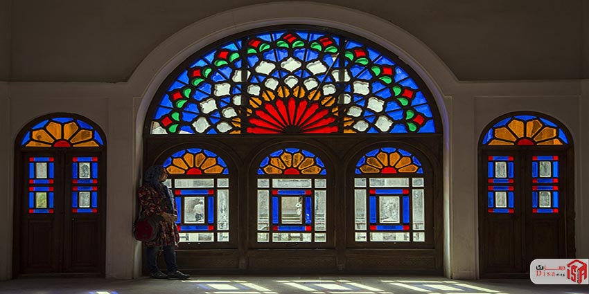 پنجره های خانه طباطبایی های
