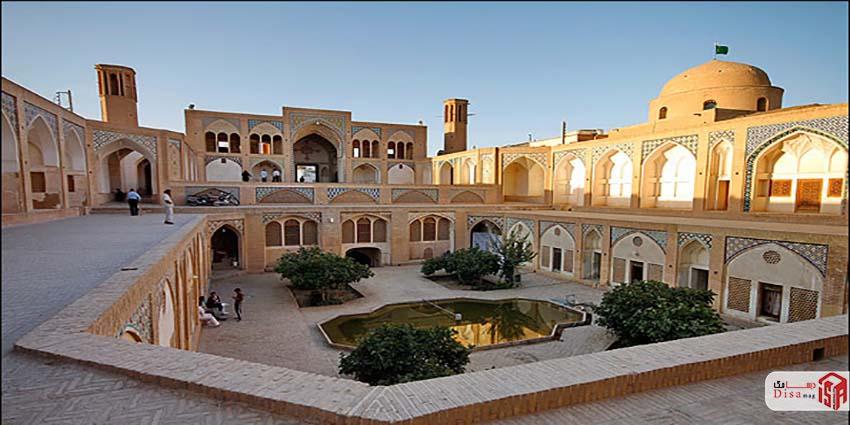 معماری مسجد آقا بزرگ کاشان